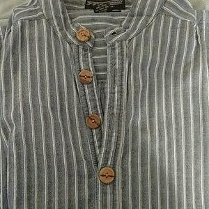 J.Peterman mens 100% cotton casual shirt.